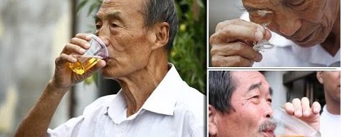 China Urine Therapy: Man drinks own wee everyday claiming it cures tumor,broken bone even baldness